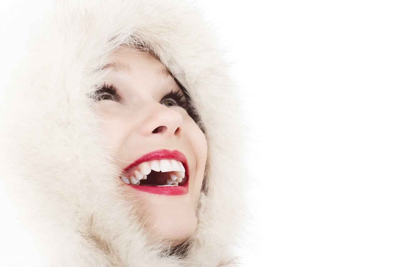 Women smiling with perfect teeth - Image for Orlando Cosmetic Dental page